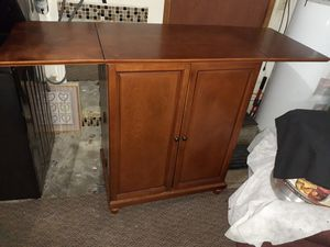 Wine cabinet like new. for Sale in Kent, WA