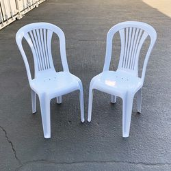 brand new $20 set of (2pcs) stackable plastic chair, 17x19x34 inches for Sale in Whittier,  CA