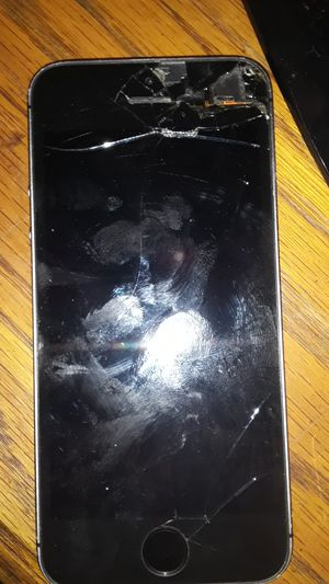 iPhone 5 se screen need to be fixed for Sale in Sunrise, FL