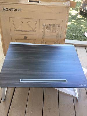 Table top desk for Sale in Bakersfield, CA