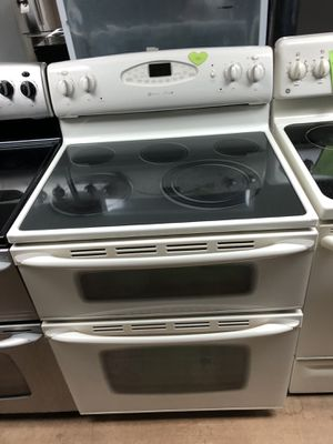 Maytag beige electric double oven stove for Sale in Woodbridge, VA