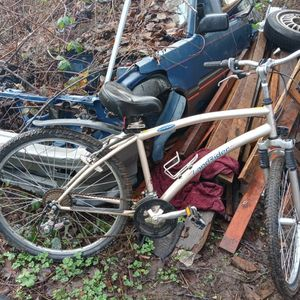 Land Rider Hybrid Auto shift Mountain bike for Sale in Aberdeen, WA