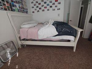 Bed & Dresser for Sale in Peoria, AZ