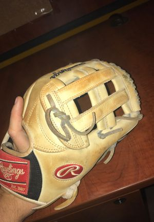 Rawlings Heart of the Hide 12 3/4 inch baseball glove for Sale in Denver, CO