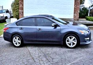 ✉ 2O13 Altima Ⓜ for Sale in St. Louis, MO