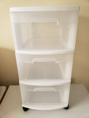 Sterilite 3 drawer wheeled plastic storage cart cabinet for Sale in Noblestown, PA
