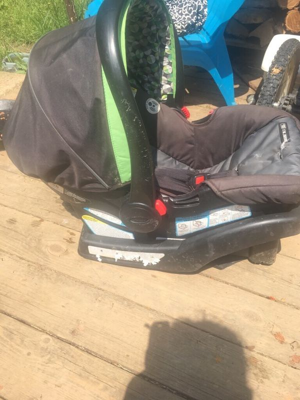 Graco infant/baby car seat