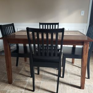 Good Wooden Kitchen Table for Sale in Murfreesboro, TN