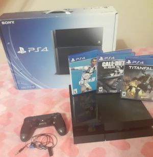 Ps4 + 1 Controller × 3 Games + Ps4 Gaming Earpiece for Sale in San Tan Valley, AZ