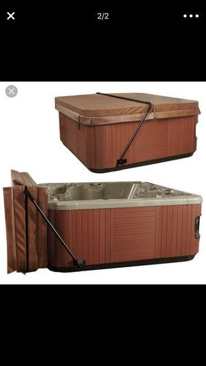 Hot tub cover LIFT Like new for Sale in Holly, MI