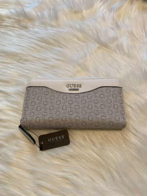 Guess Wallet for Sale in Pico Rivera, CA