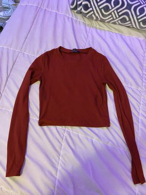Burgundy long sleeve crop top for Sale in Rancho Cucamonga, CA