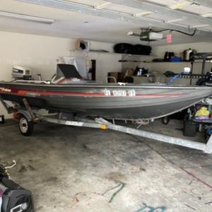 16 Foot Fisher Aluminum Bass Boat for Sale in Polk City, FL