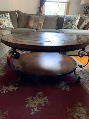 Coffee table for Sale in Milford, NJ