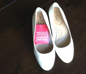 Dexflex Comfort Women's Dress Pumps for Sale in Lakeland, FL