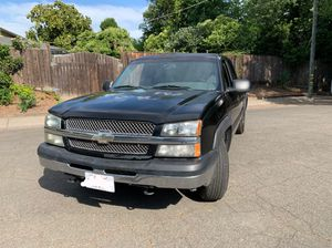 2003 Chevy Silverado 2WD for Sale in Sacramento, CA