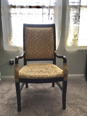 Antique chair in perfect condition for Sale in Henderson, NV