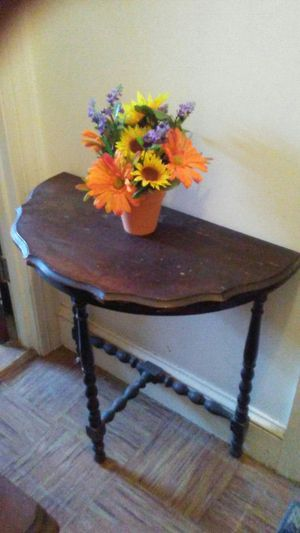 Antique End Table for Sale in Revere, MA