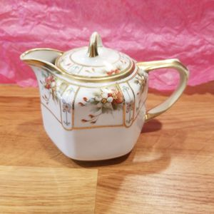 Nippon Teapot Floral for Sale in Jurupa Valley, CA