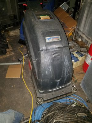"AmSan Renown 20"" rechargeable floor scrubber for Sale in Renton, WA"
