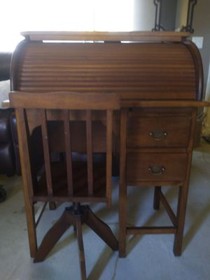 Kids roll top desk and chair for Sale in Fontana, CA