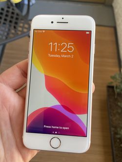 Iphone 7 128G Rosegold UNLOCKED for Sale in Los Angeles,  CA