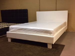 Queen white platform bed with mattress and free delivery for Sale in Austin, TX