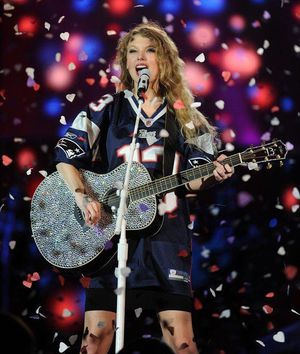 4 Tickets Taylor Swift Concert 7/27/18 for Sale in Boston, MA