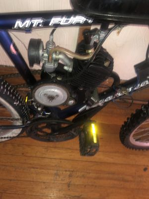 Motor bike needs lil repairs for Sale in Chicago, IL