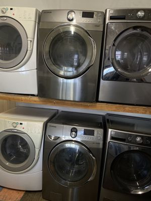 SAMSUNG HE FRONT LOAD WASHER AND DRYER SET IN STAINLESS WITH STEAM for Sale in Moreno Valley, CA