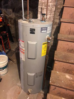 Electric water heater for Sale in Beverly, MA