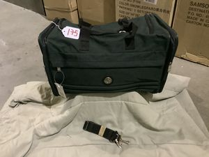 #175 Adventures Club 16-inch travel duffel tote bag - Dark Green - NEW for Sale in Castaic, CA