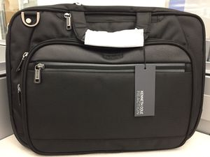 Kenneth Cole Reaction Bag NEW! for Sale in Irving, TX