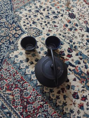 Cast iron tea pot and cups for Sale in Fort Lauderdale, FL