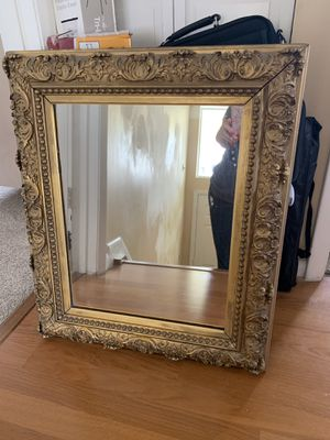 Antique mirror for Sale in Pompano Beach, FL