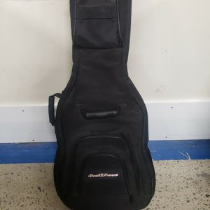 Road Runner Guitar Case for Sale in Cayce, SC