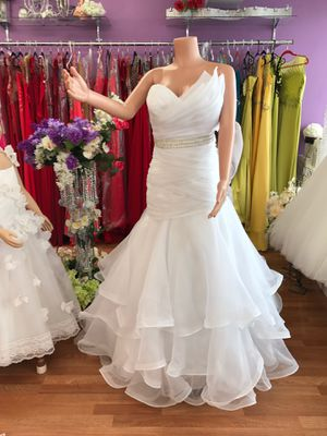 White strapless Wedding dress for Sale in Niles, IL