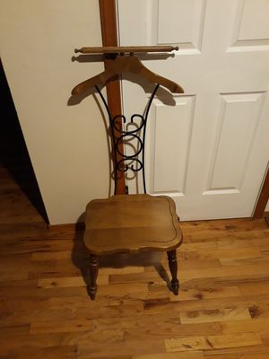 VERY NICE OLD ANTIQUE CHAIR FOR SALE for Sale in Bellevue, WA