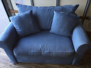 Lazy Boy loveseat w/ Sealy posture hide-a-bed! for Sale in Denver, CO