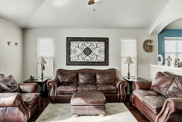 Leather Couch, Loveseat, Chair & Ottoman for Sale in Round Rock,  TX