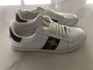 Gucci sz.9,Used,in good condition for Sale in Seattle, WA
