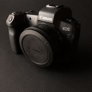 Canon EOS R (Body Only) for Sale in Los Angeles, CA