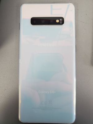 Brand new! S10+ only open box unlocked! for Sale in Hiawatha, IA
