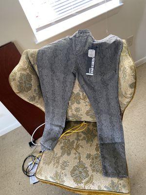H&M with fashion nova pants for Sale in Bridgeville, DE