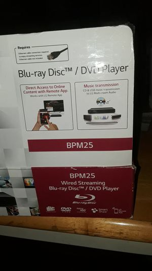 32 inch tv and smart DVD player for Sale in Columbus, OH