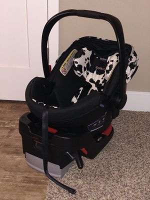 Britax B-Safe 35 Cowmooflage Car Seat w/base for Sale in West Richland, WA