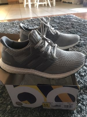 Addidas Ultra Boost for Sale in Glendale, AZ