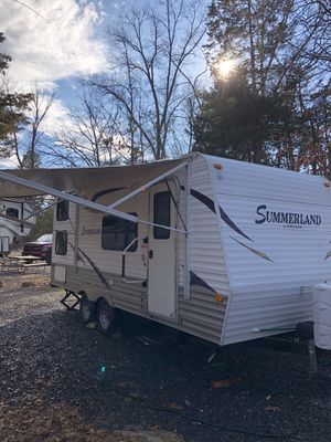 Summerland by keystone travel trailer 2014 for Sale in Alexandria, VA