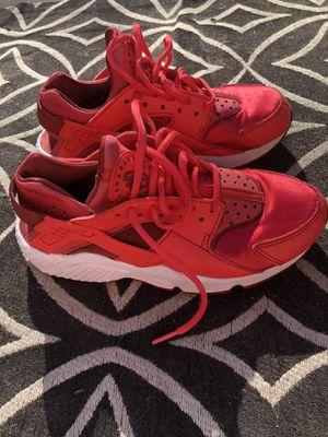 Woman's Nike huarache size 5.5..true fit..$40 for Sale in Lemon Grove, CA
