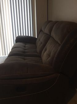 BROWN RECLINABLE SOFA (needs To Go Today) for Sale in Auburn,  WA